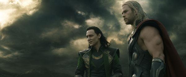 Thor y Loki en Thor 2 el mundo oscuro
