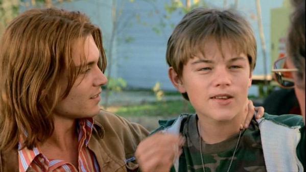 Johnny Depp y Leonardo DiCaprio en Quien ama a Gilbert Grape