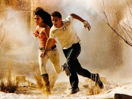 Shia LaBeouf y Megan Fox en Transformers 2
