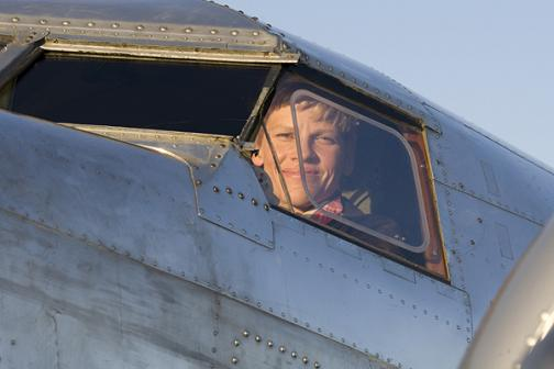 Amelia Earhart y Hilary Swank