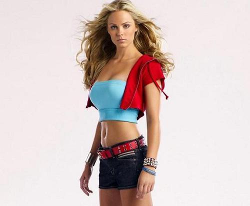 Laura Vandervoort como Supergirl en Smallville